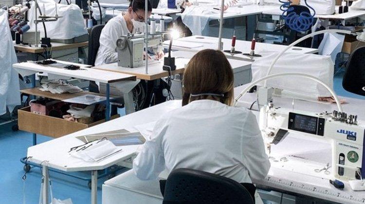 Dior, Redon'daki atölyesini maske üretimi için açarak faaliyete geçirdi